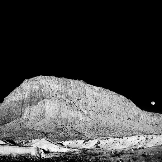 Moonrise_over_Willow_Mountain_Terlingua_Tx